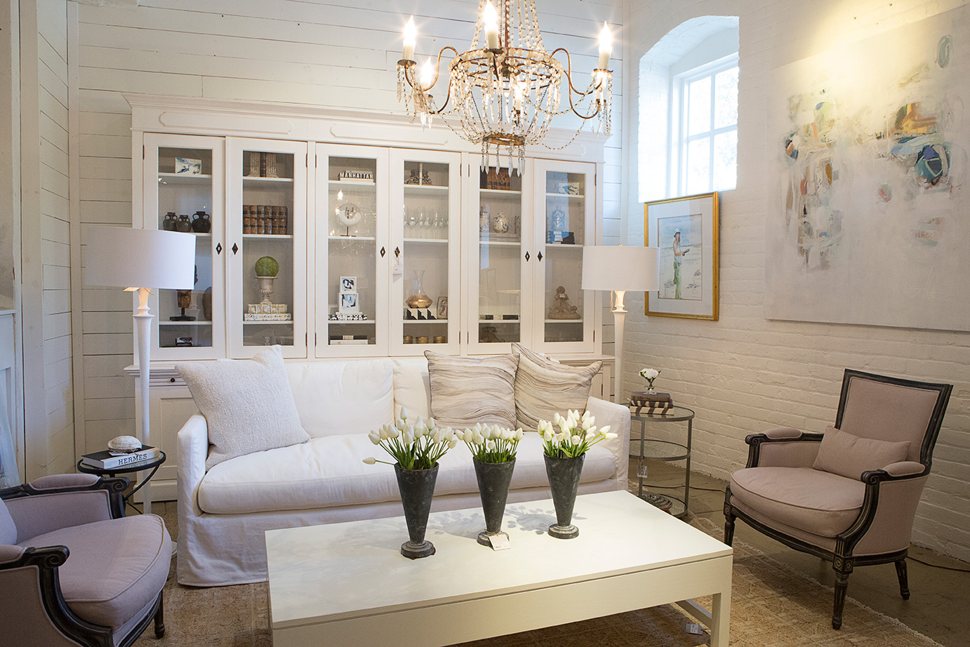 living room white decor